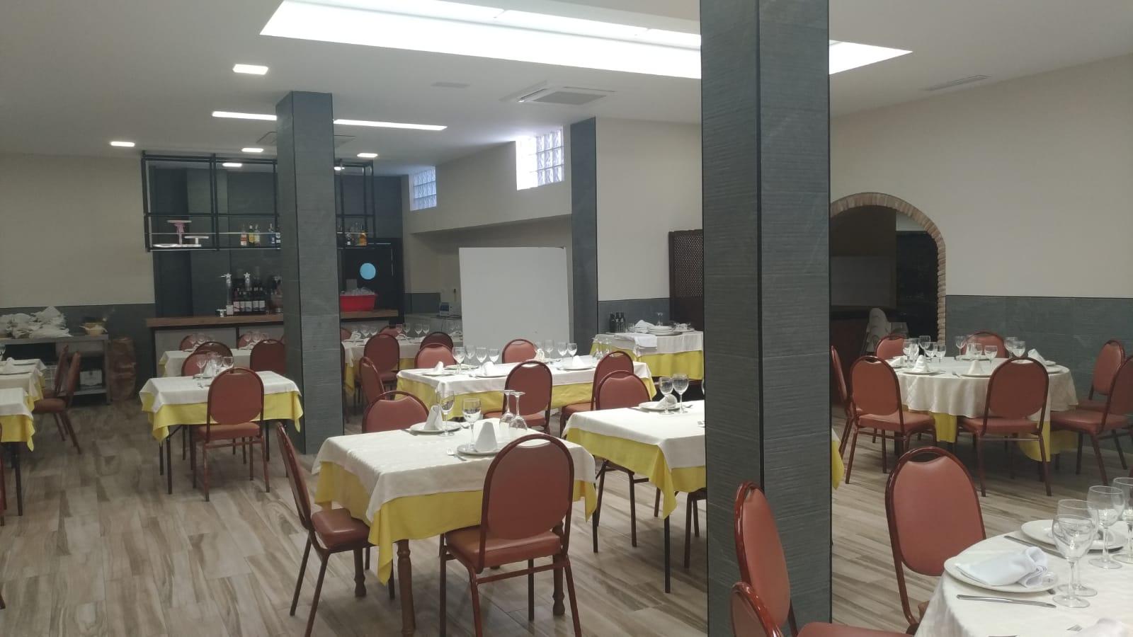 Interior renovado del salón restaurante Abrasador Canovas