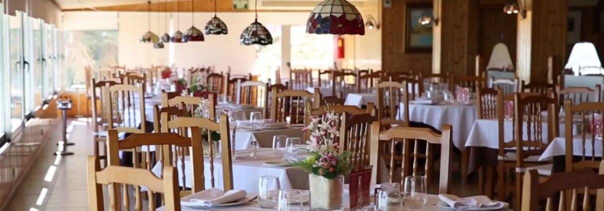 Salón de Abrasador Restaurante Graná situado en El Campello, junto a la playa de Muchavista