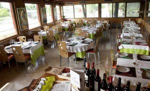 Restaurante especializado en carnes de ternera y cerdo ibérico a la brasa