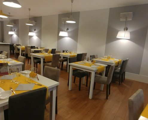 Interior photo restaurant facilities Scorching cinnamon and lemon