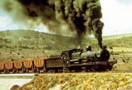 foto de historia ferroviaria de la ruta de via verde de ojos negros