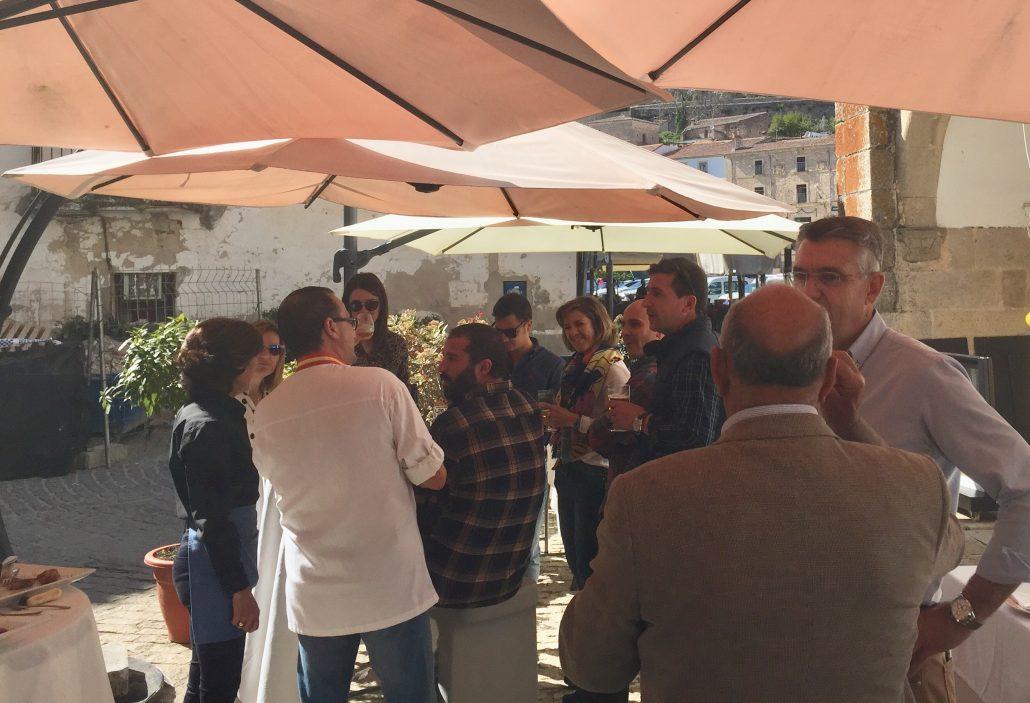 Asistentes inauguración restaurante Abrasador Corral del Rey