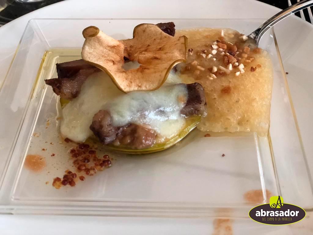 Lardones de ibérico, foie y manzana en tres texturas Abrasador