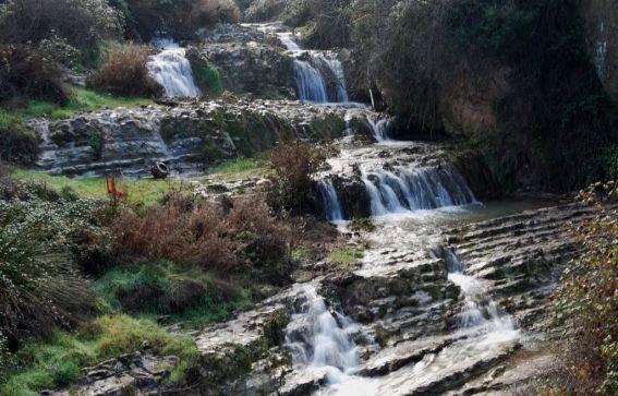 La cascada es una de las imagenes de las rutas más bonitas de la Sierra Subbética