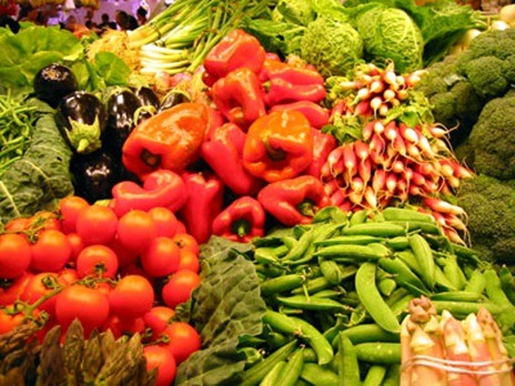 Sale of fruits and vegetables Description automatically generated