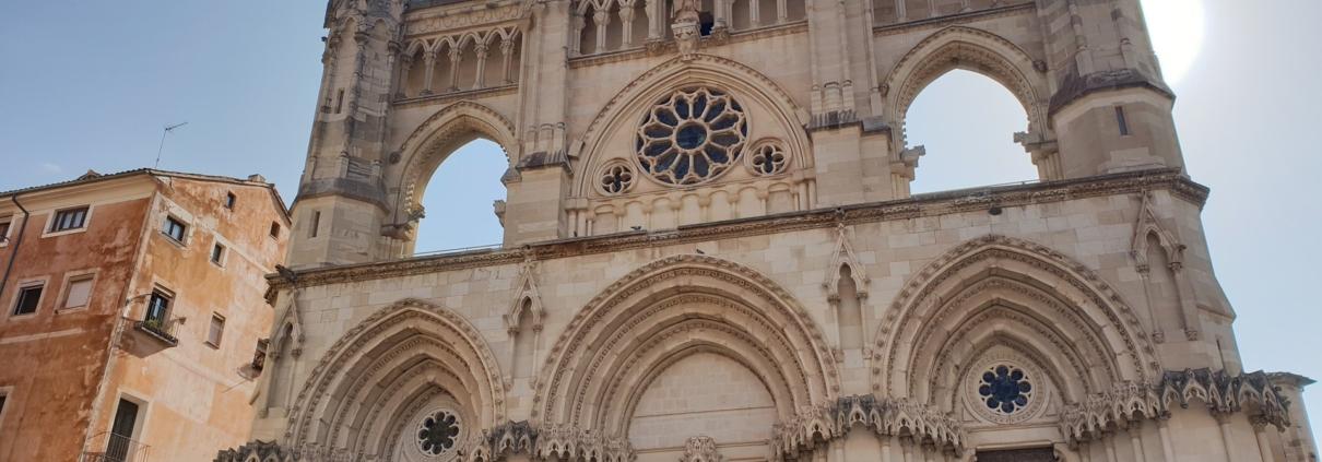 Plaza Mayor, junto a La Catedral de Cuenca