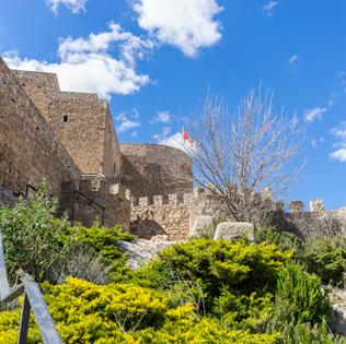 El castillo de Consuegra está rodeado de una barrera defensiva