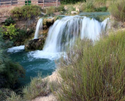 Salto de agua del arroyo Alarconcillo antes de su desembocadura en la laguna de S.Pedro